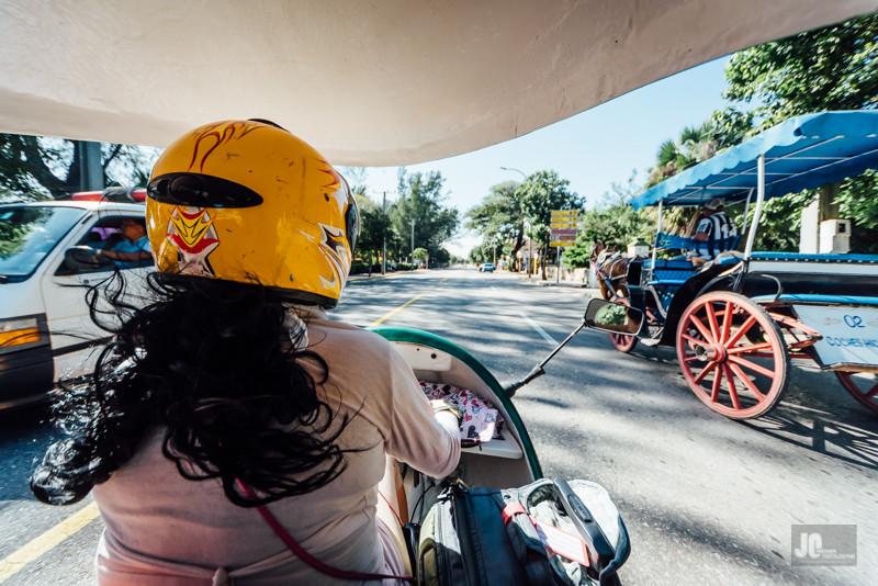 Spannende Sache, so `ne Fahrt im Coco-Taxi und allemal schneller als mit der Pferdekutsche!