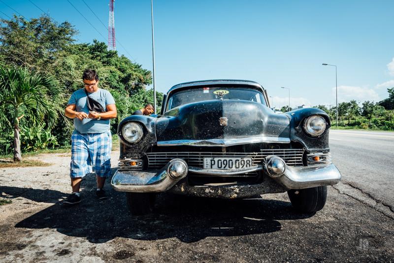 Auf halber Strecke zwischen Varadero und Havanna, Wasser kaufen!