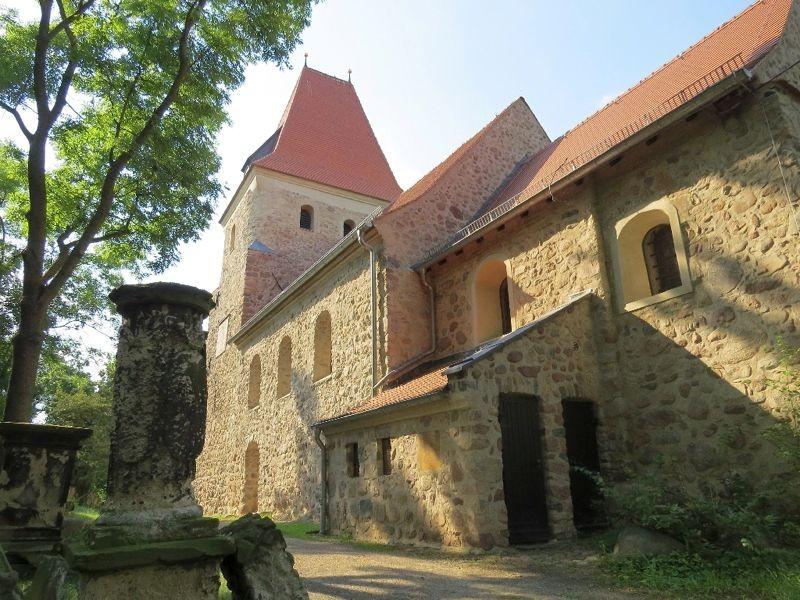Die Kirche Hohen Thekla in Leipzig-Thekla.<p/>Foto: Karsten Peterlein