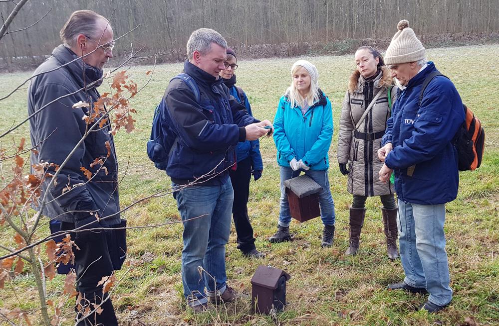 Für die Teilnehmer gibt es Informationen zur Vogelwelt und zur Arbeit des NABU Leipzig.