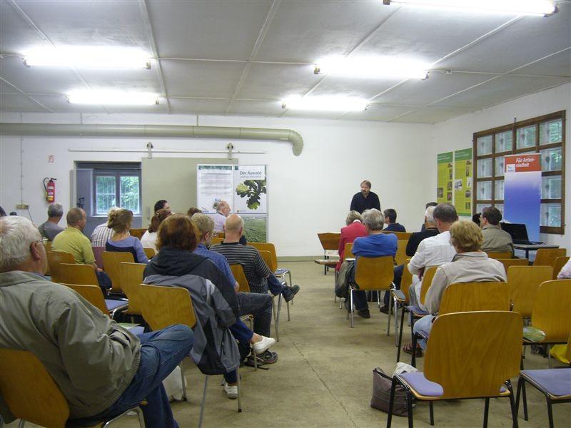 Die Eröffnungsveranstaltung der Naturschutzwoche 2012 fand in der Alten Wache statt, einer Forschungsstation der Universität Leipzig in der 'Burgaue'.<p/>Foto: Claudia Tavares