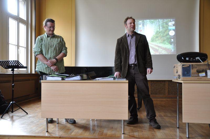 Philipp Steuer (rechts) richtete Grußworte an die Gäste. Heiko Thonig (links) unterstützte den Regionalverband bei der Veranstaltung.