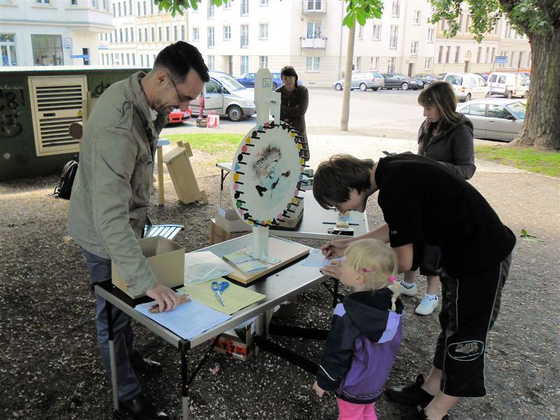 Am NABU-Glücksrad konnte man nützliche kleine Preise gewinnen. Foto: René Sievert