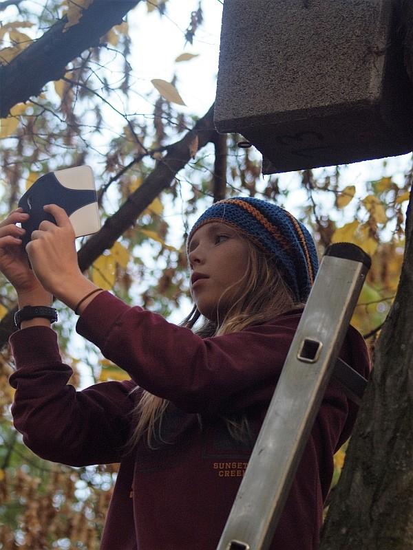 Selfi mit Nistkasten - das gibt es nur beim NABU!</p>Foto: Kirstin Hesse