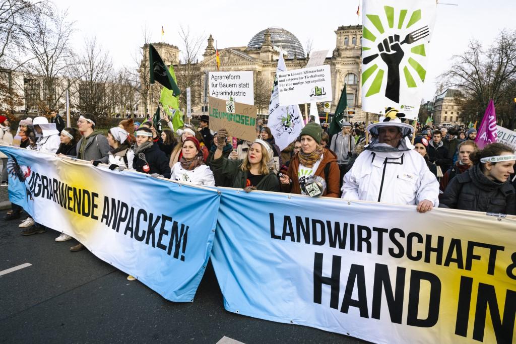 Lautstark haben Zehntausende für eine Agrarwende demonstriert.</p>Foto: Fabian Melber/wir-haben-es-satt.de