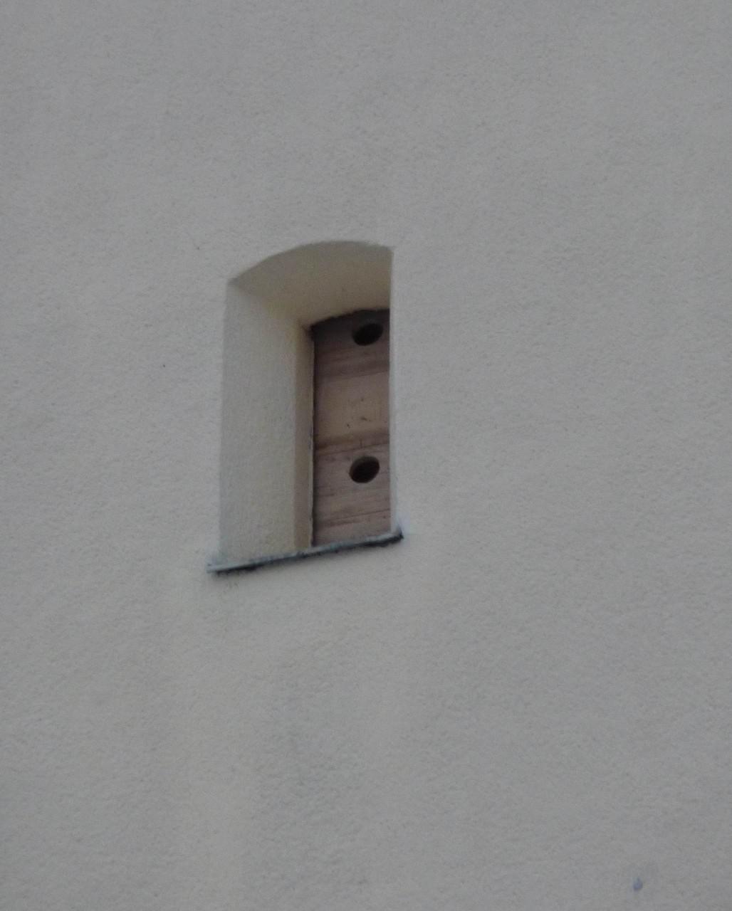 Von außen kaum zu sehen - für Dohlen unübersehbar. Foto: Karsten Peterlein