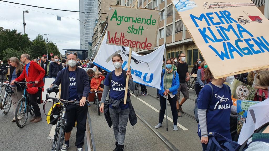NABU-Teilnehmer beim Start der Demo.<br/>Foto: René Sievert