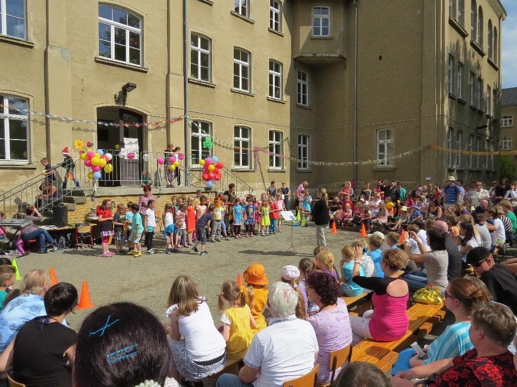 Am 14. Juni 2013 fand in der 24. Grundschule das Sommerfest statt.