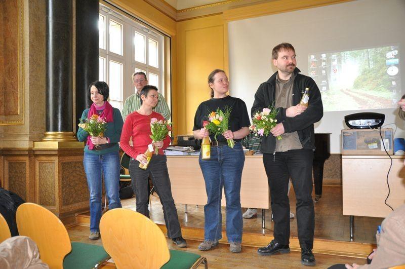 Der neu gewählte Vorstand (vorn von links): Sabine Stelzner, Kirsten Craß, Sabrina Hansmann, René Sievert.