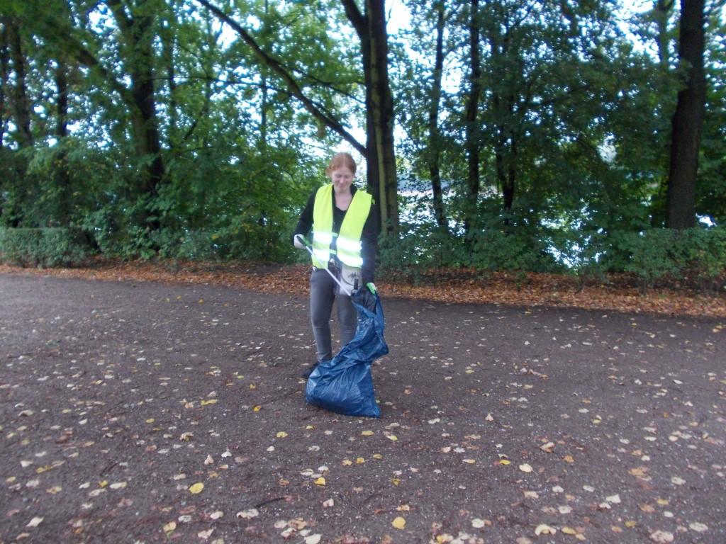 Insgesamt waren 14 fleißige Müllsammler dem Aufruf des NABU Leipzig gefolgt.</p>Foto: René Sievert