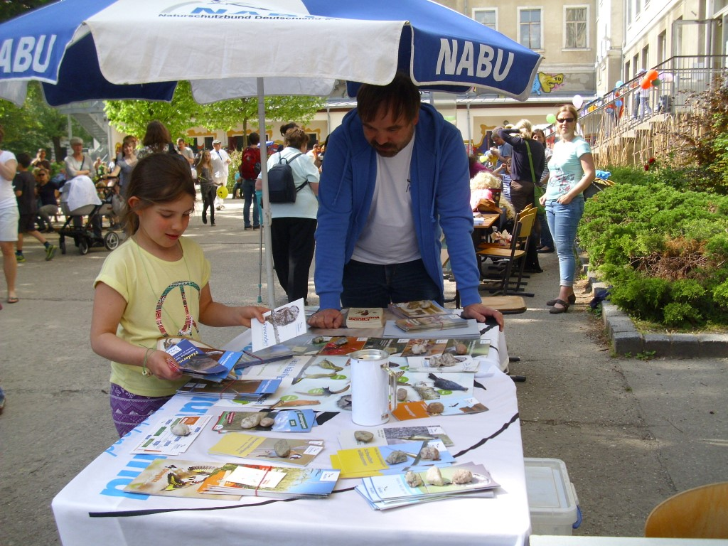 Zu verschiedenen Naturschutzthemen gab es aber auch kostenlose Faltblätter.