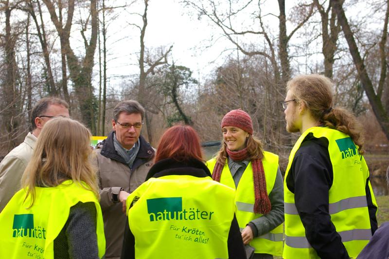 Umweltminister Frank Kupfer mit Naturtätern.<p/>Foto: Uwe Schroeder