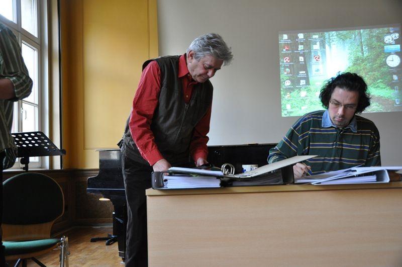 Dr. Gerhard Sattler übernahm die Aufgabe des Wahlleiters.