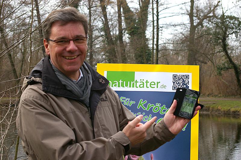 Mit QR-Code in Sekundenschnelle auf der Projektseite - Frank Kupfer.<p/>Foto: Uwe Schroeder