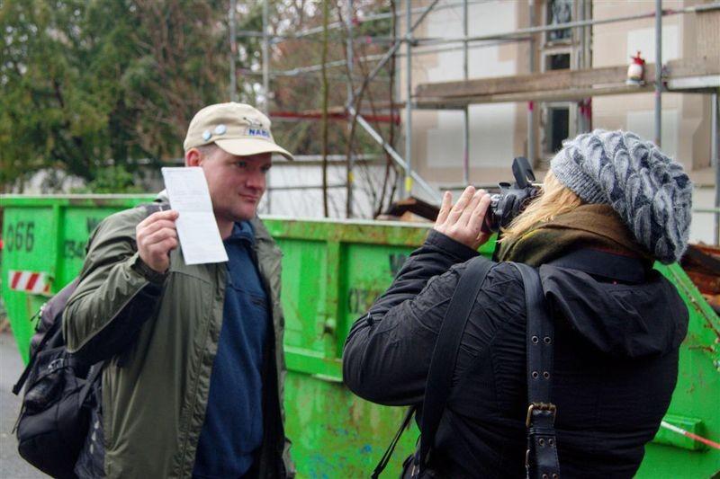 Auch in der Presse wurde über die Stunde der Gartenvögel berichtet. Auf dem Südfriedhof war eine LVZ-Redakteurin mit dem NABU unterwegs.