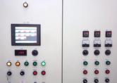 E : システム操作盤