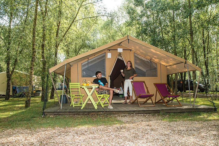 Camping Sites & Paysages  Les Saules à Cheverny - Loire Valley - Vacances en famille, à deux ou entre amis en cabatente