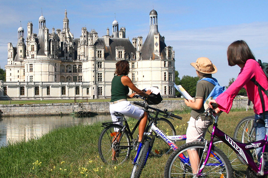 Camping Sites & Paysages  Les Saules à Cheverny - Loire Valley - Balade en vélo au domaine de Chambord