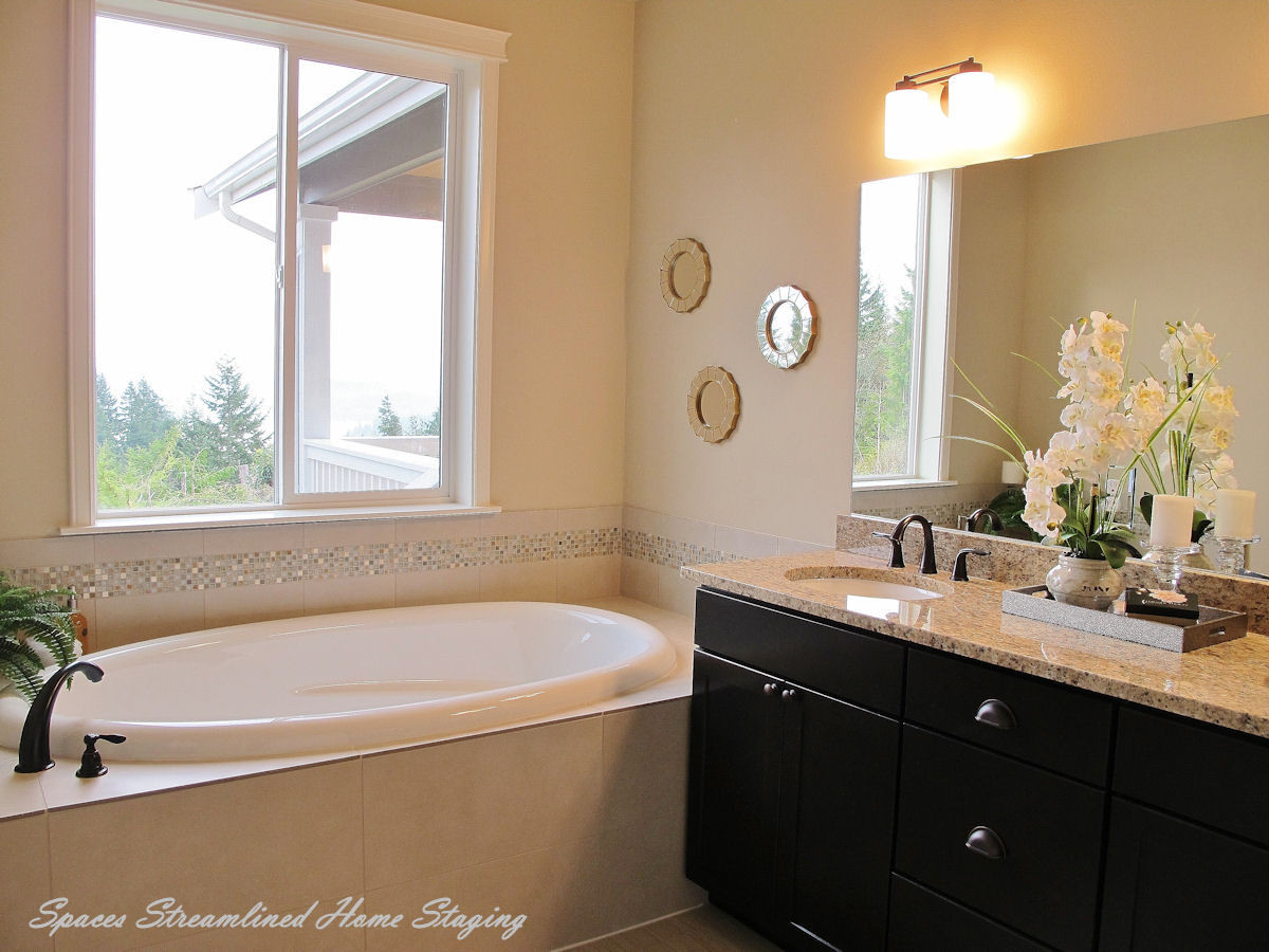 Home Staging Master Bath Silverdale