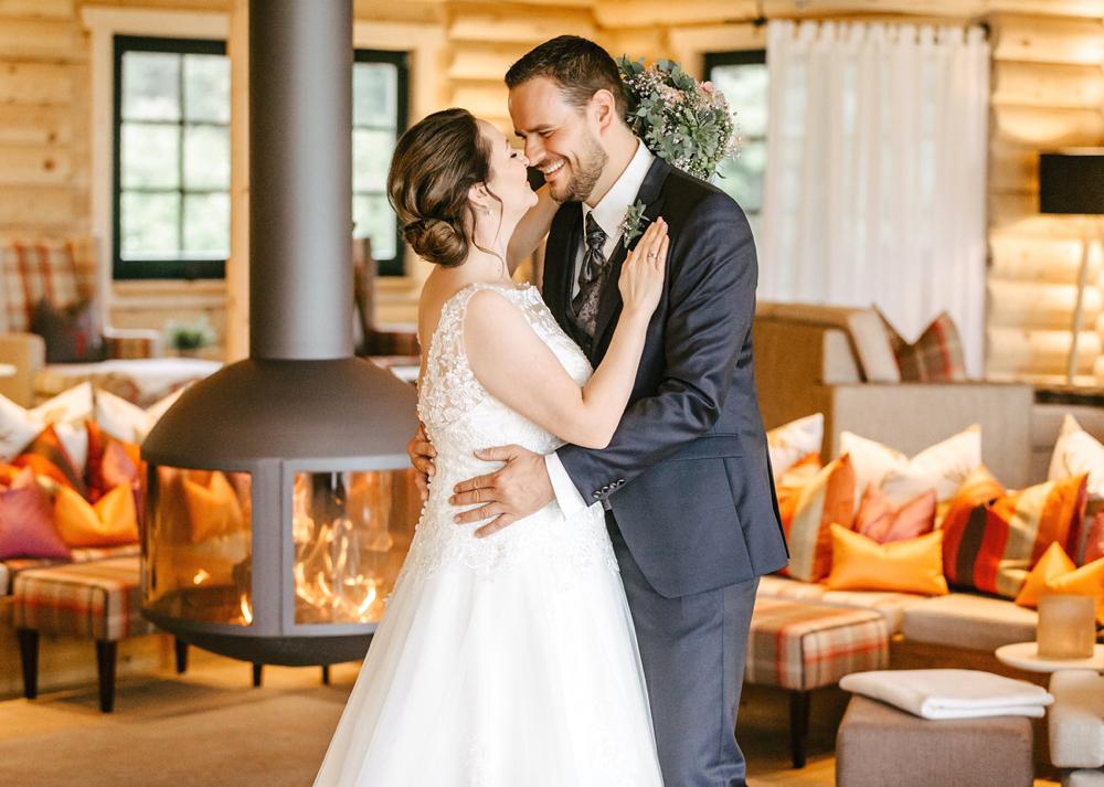Hochzeit Oberwiesenthal, Hochzeitsfotograf Oberwiesenthal, Hochzeit im Hotel Jens Weißflog mit Fotoshooting Hochzeitsfotos in der Relax Lodge