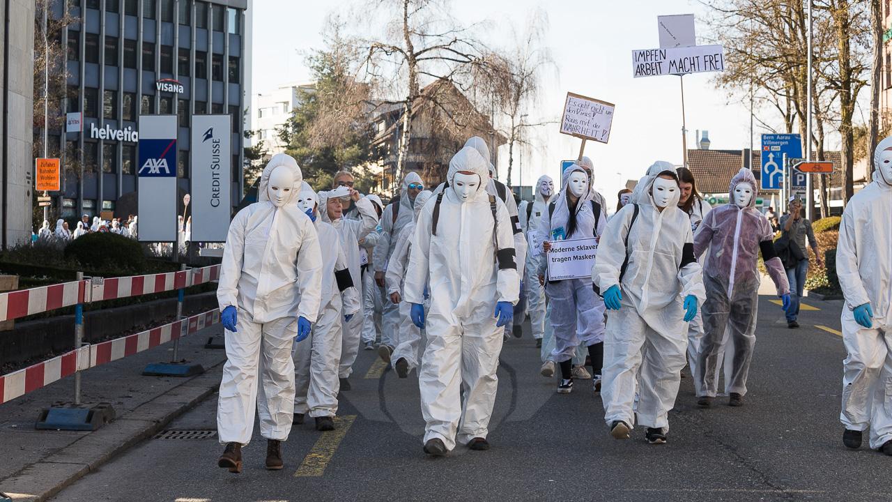 20.02.2021   Wohlen AG: Knapp 2'500 Menschen demonstrieren bei bewilligter Anti Corona Kundgebung