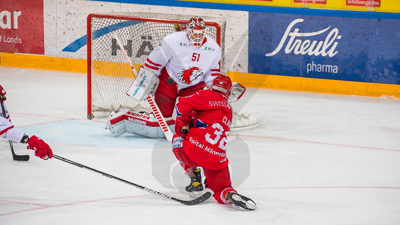 27.02.2021   In der St. Galler Kantonalbank Arena unterliegen die Rapperswil-Jona Lakers dem Lausanne HC nach Penalty 4:5