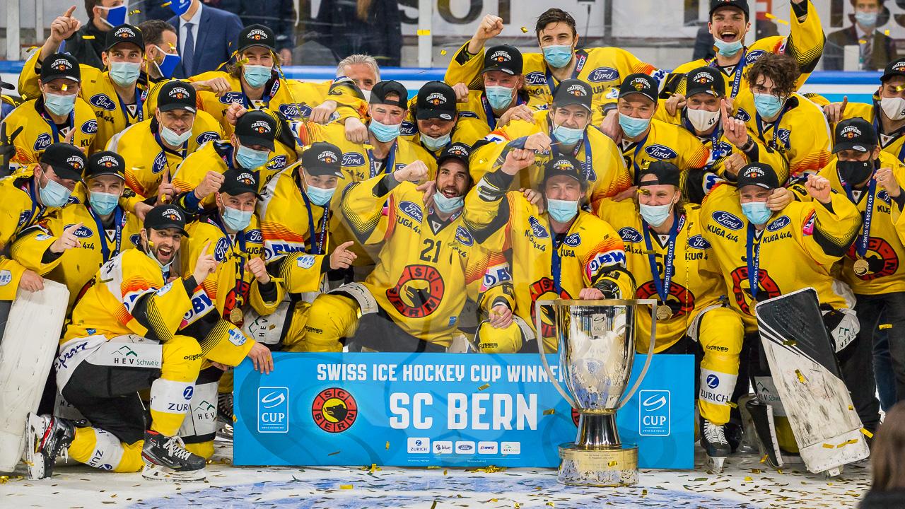 28.02.2021   Der SC Bern wird Cupsieger 2021: Die Mutzen schlagen im Hallenstadion die ZSC Lions 2:5.