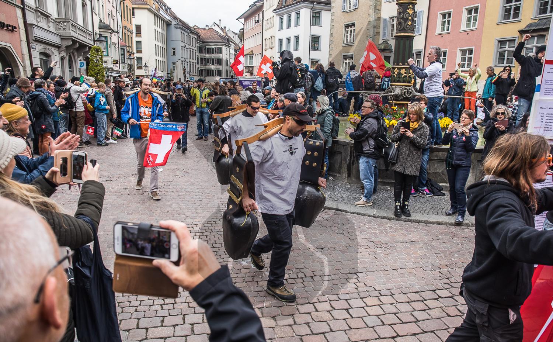 17.04.2021   Schaffhausen: Mehrere hundert Person protestieren friedlich gegen die Corona-Massnahmen des Bundes.