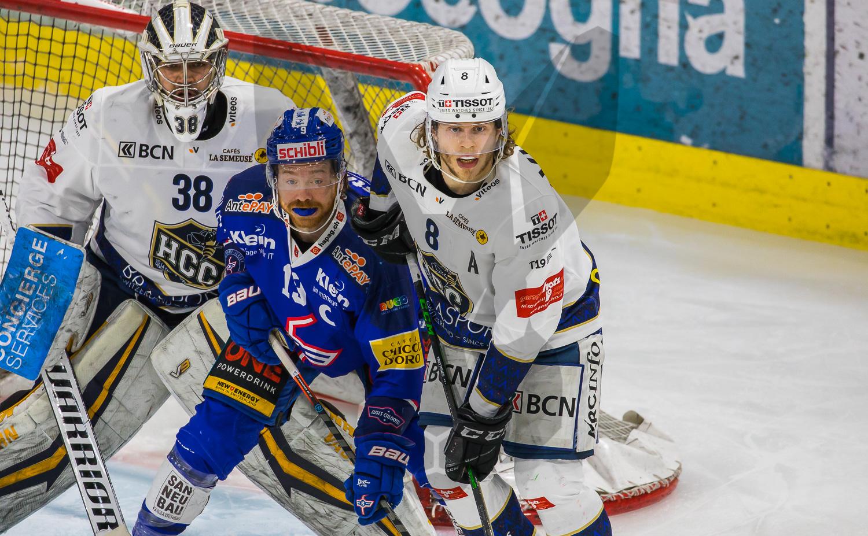 21.03.2021   Der EHC Kloten geht mit einem 7:1 Sieg in den Playoff Viertelfinals gegen den HC La Chaux-de-Fonds weiter in Richtung Aufsteig.