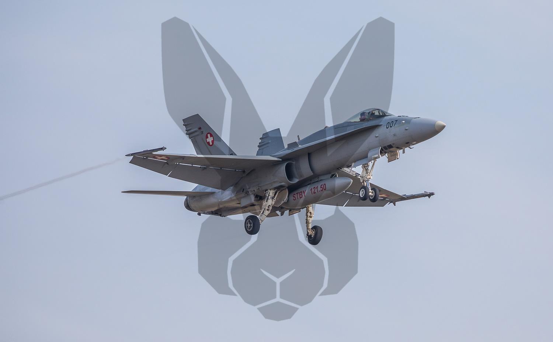 09.03.2021   Schweizer Luftwaffe trainiert Anflug auf Flughafen Zürich