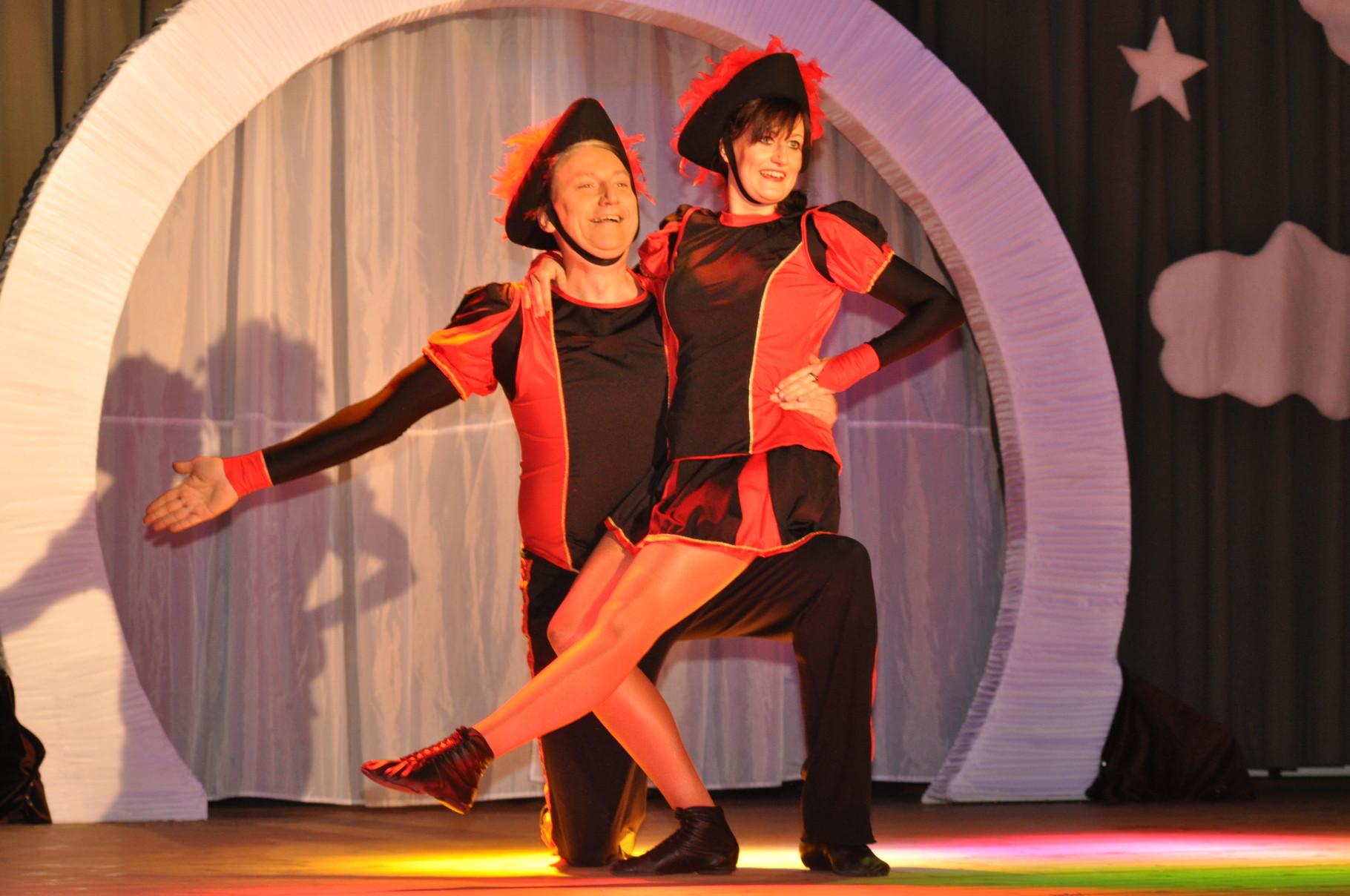 Das Tanzpaar David und Nicole zeigen ihren neuen Tanz für die sächsischen Meisterschaften.