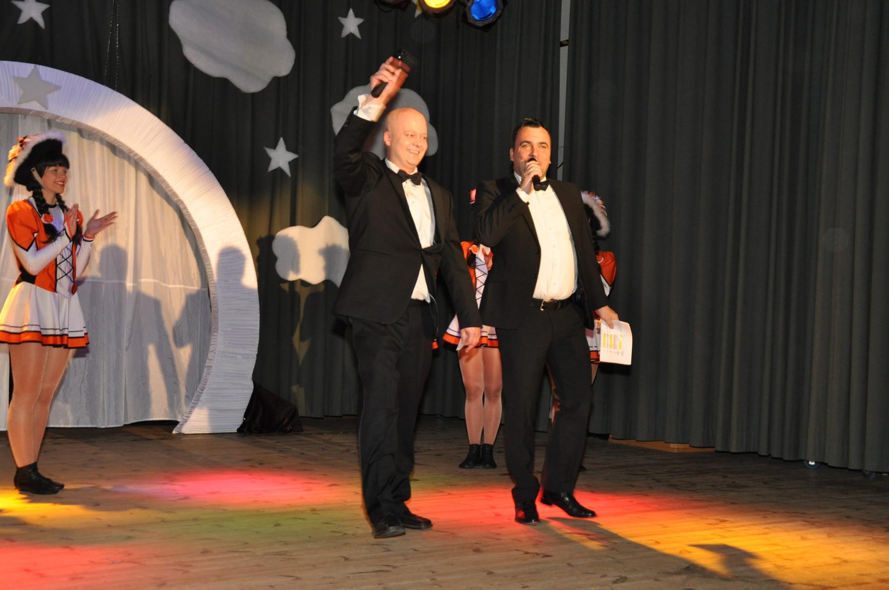 Mathias Gürke (ECC) und Rüdiger Kleinke (DCV) führten mit Charme und Witz durch den Abend.