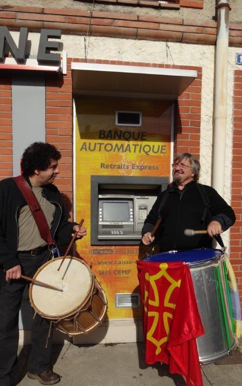 Jean-Michel OGIER, Gilles ROUGEYROLLES aux tambours - Bassacada à Fête du Figuier 20/10/2013