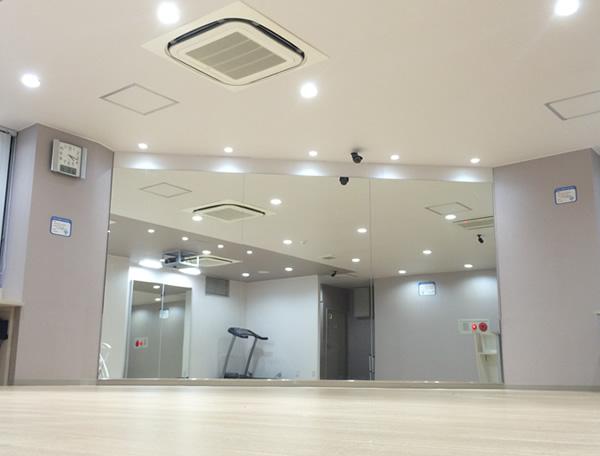 天神・社交ダンススクール〝ダンス舞ライフ〟内・4階にあるスタジオがレッスン場になります!