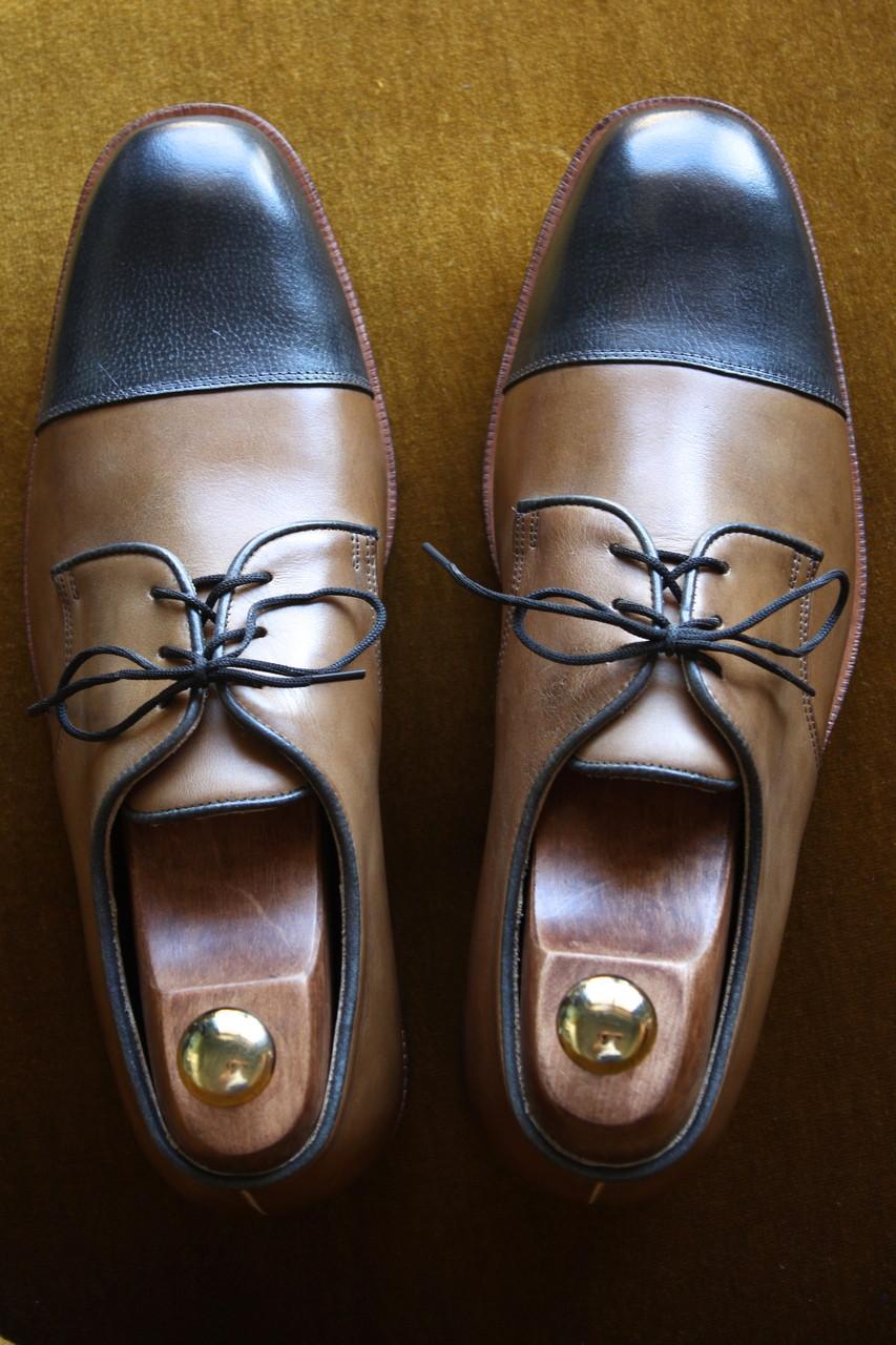 Derby two tones - Traditional Pegged shoes construction