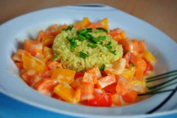 Veganes Detox Rezept: Gemüsepfanne mit Kokosmilch und Reis