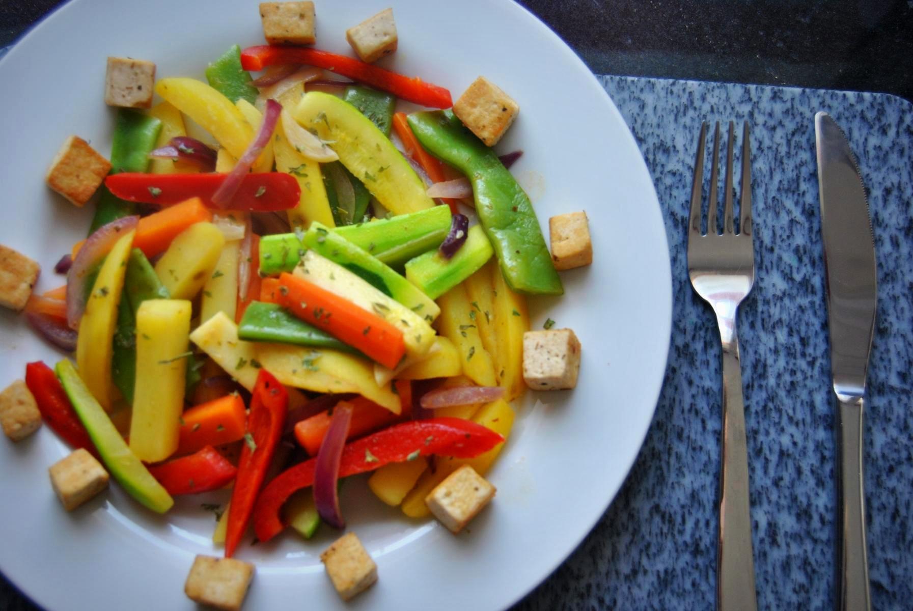 Gemüse Pfanne mit Tofu