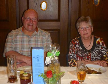 Karl Pscheidl mit seiner Frau Regina beim Festabend zum 30-jährigen Jubiläum