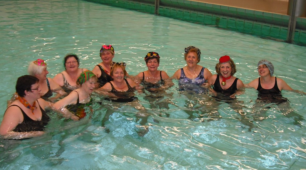 Wassergymnastik am Karnevalsfreitag