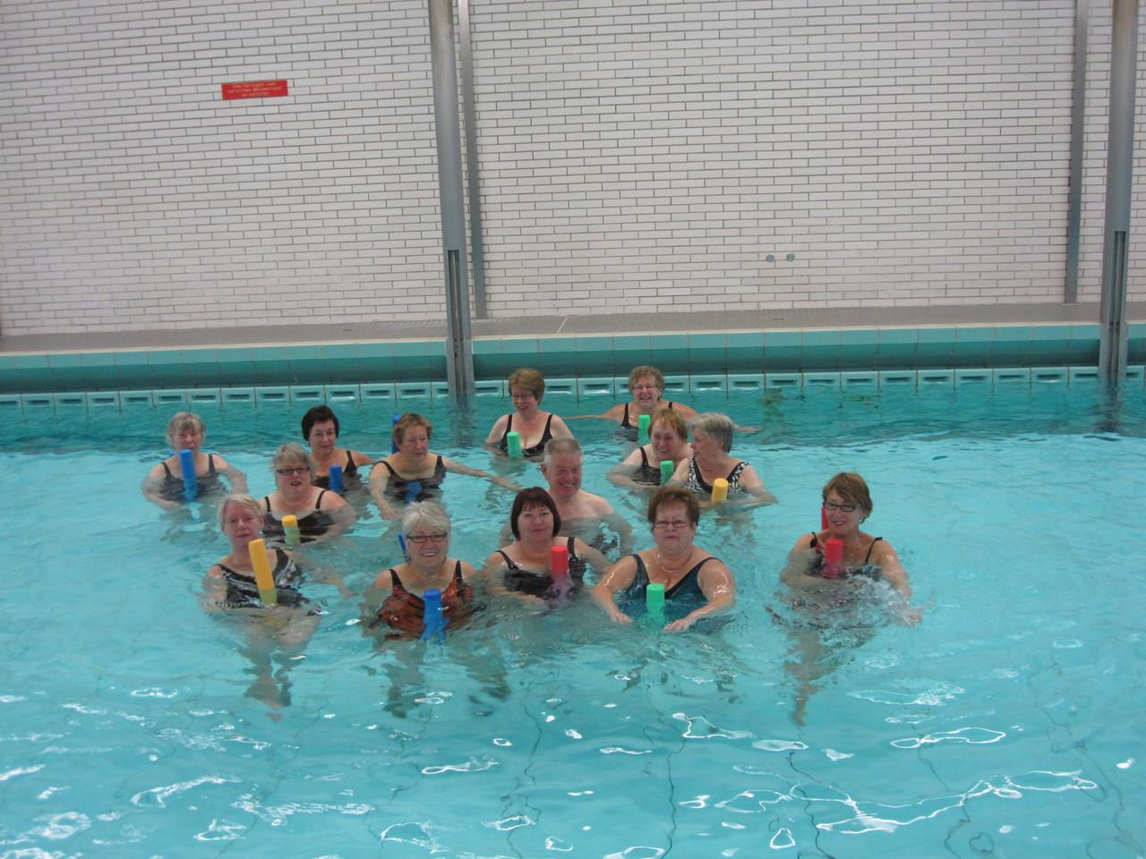 Wassergymnastik im Bürgerbad macht Spaß