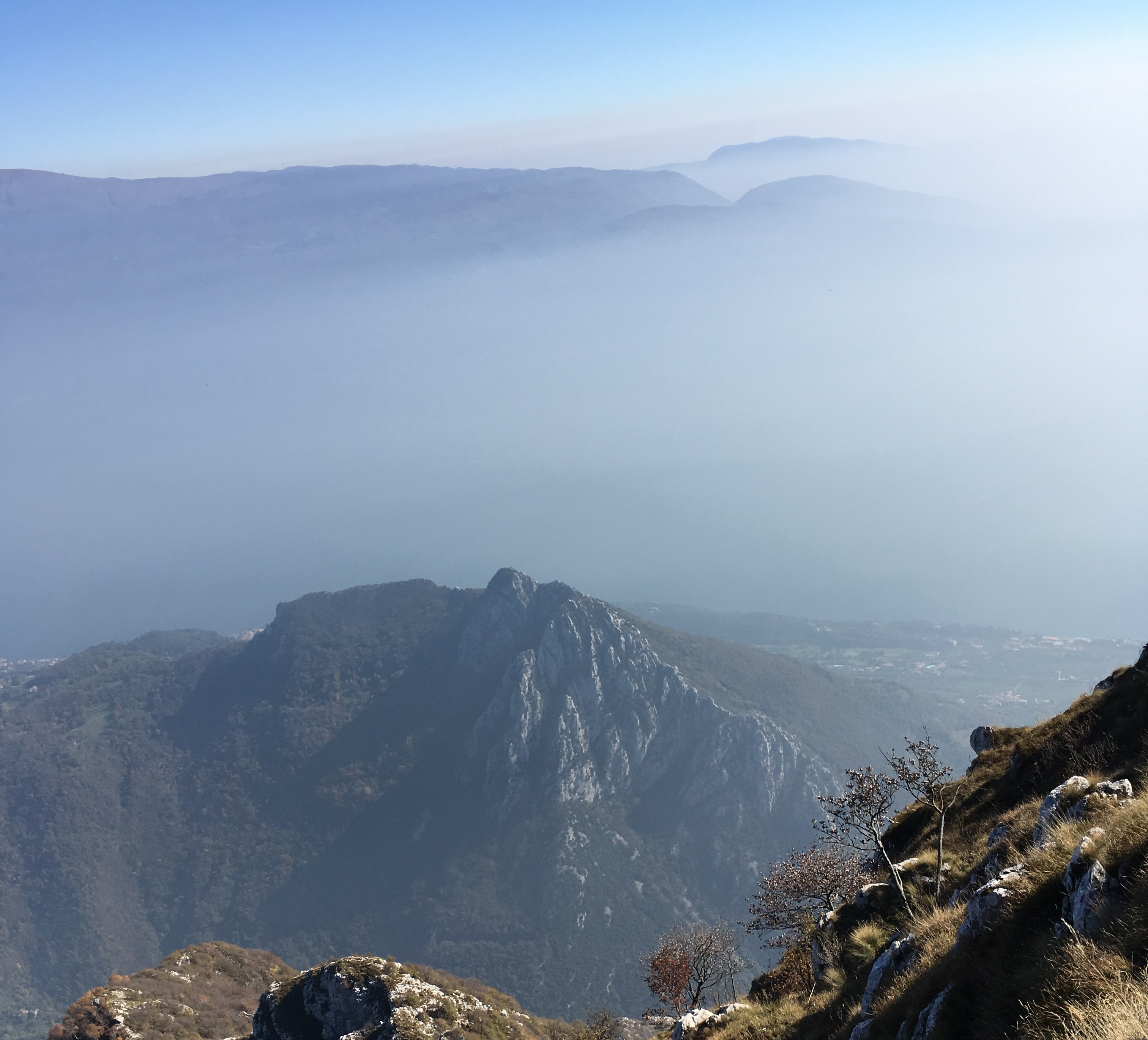 Blick von Monte Pizzocolo auf den südlichen Gardasee