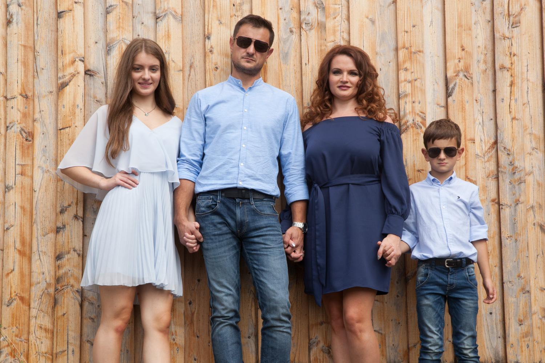 Happy Family Familienfotos In Thuringen Fotostudio Lange Suhl