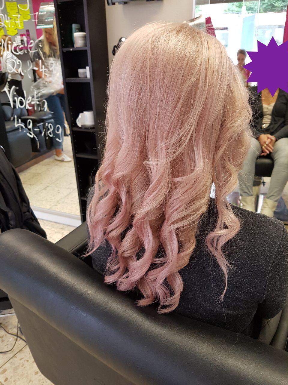 wunderschönes rose-gold die neue Haarfarbe