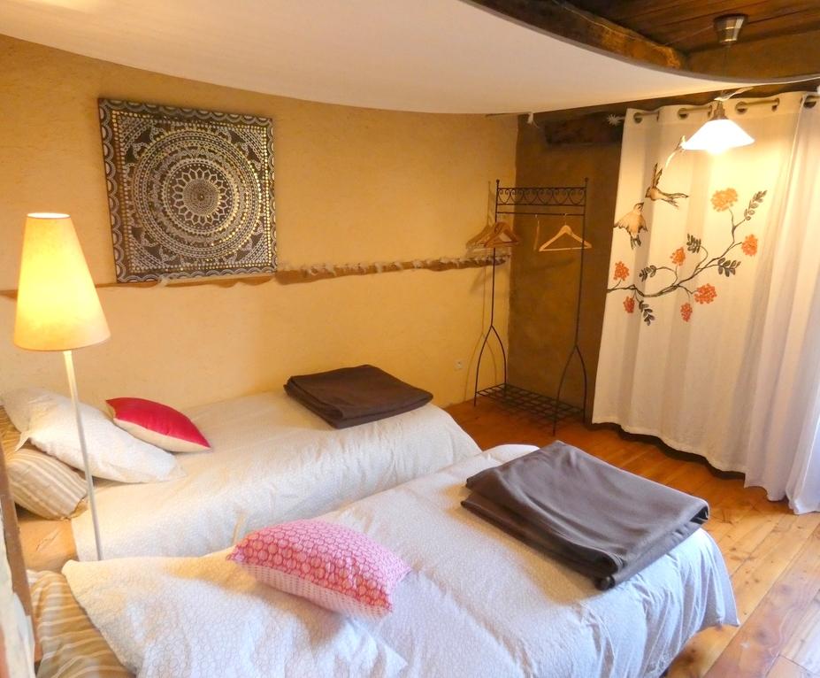 chambre avec lits séparés