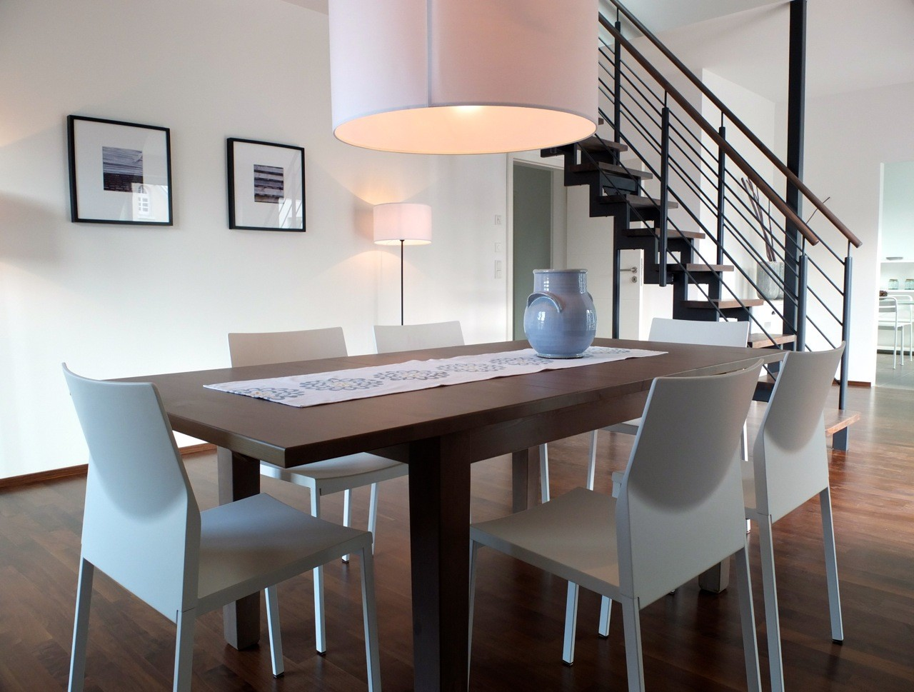 home staging raum plus kontur birgit redecker stock. Black Bedroom Furniture Sets. Home Design Ideas
