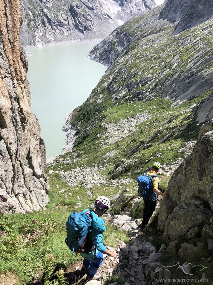 Im Abstieg - das steile Weglein bedarf doch noch einiger Aufmerksamkeit