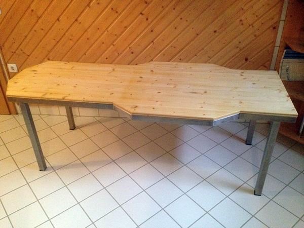 Massageliege mit Holz