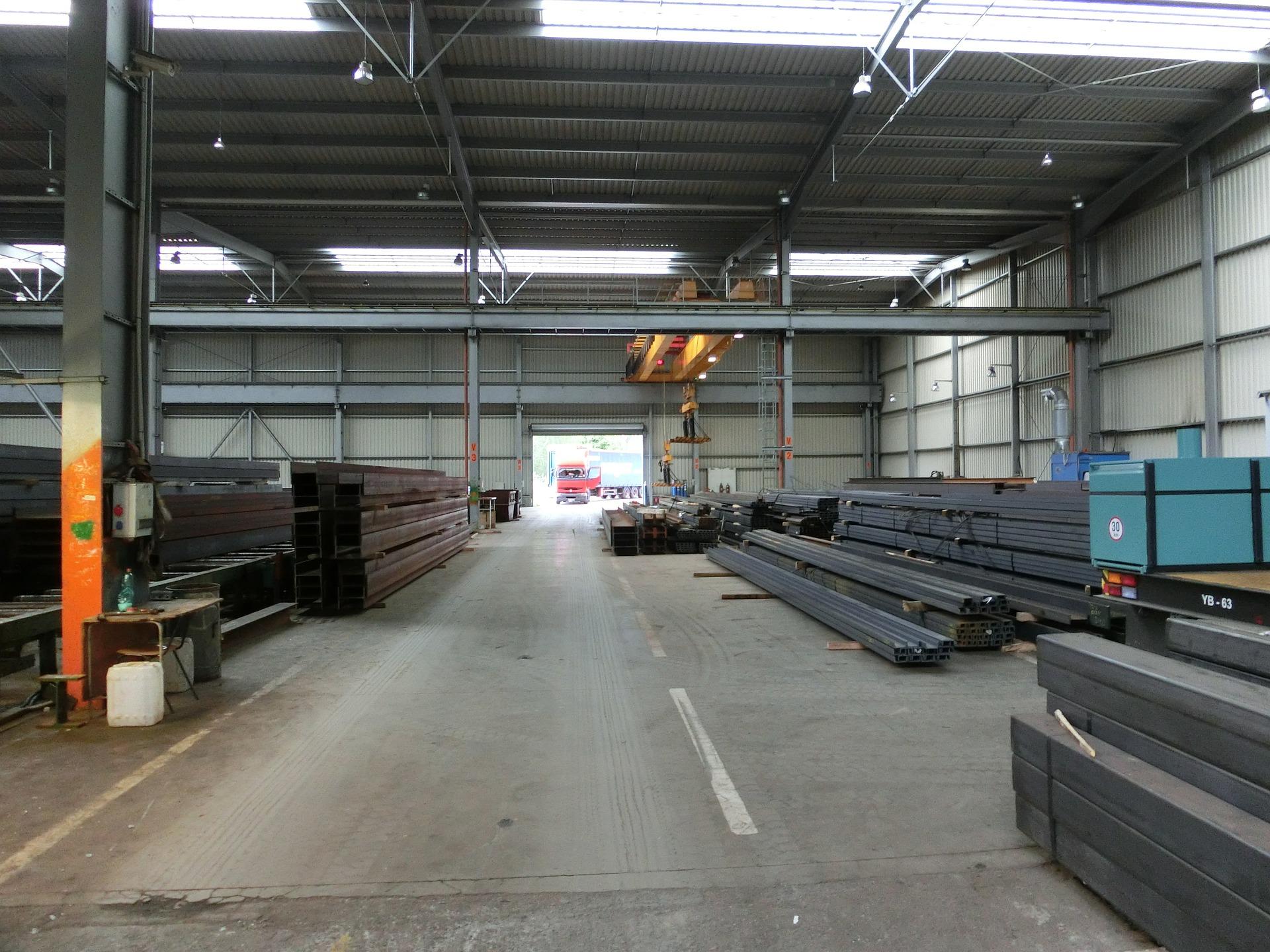 Am Hafen verteilt zu den Stahlhändlern