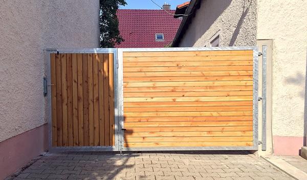 Hoftor verzinkt mit Holz