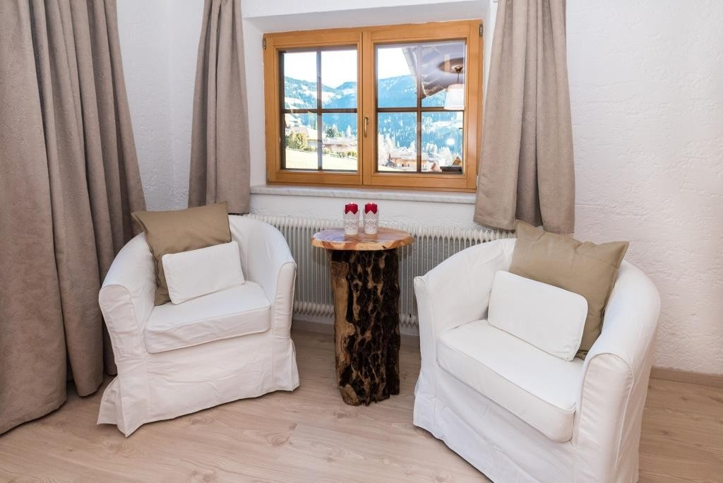 Lese- oder Sitzecke mit herrlichem Ausblick auf Alpbach